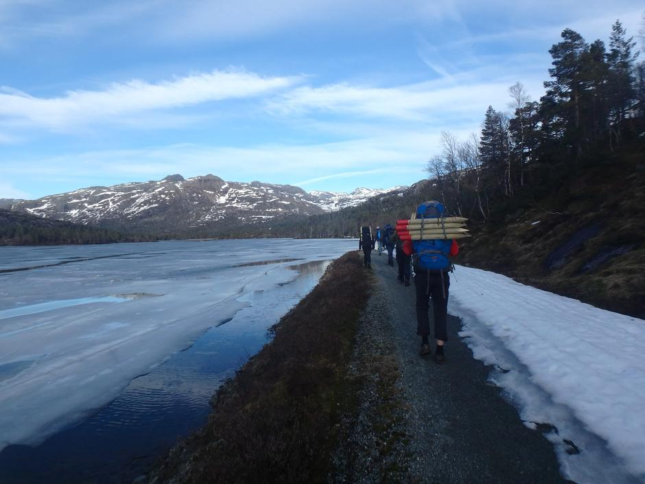 Bilde 21 Mai  og 22 mai var veien kjørbar til Jonstølen. Barkmarsforhold opp til hytta