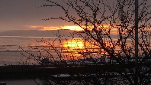 En vakker himmel fotografert utover fjorden på Tofte i Hurum.