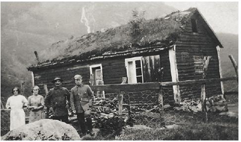 Gamlehytta på Tungestølen på tidlig 1900-tallet.