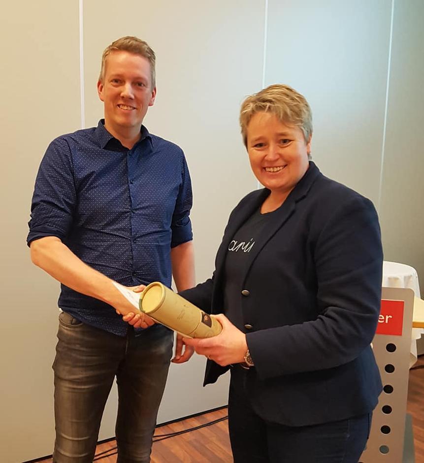 Tor Magne Gangsøy (YNT) blei takka av i styret av styreleiar Siv Merete Stadheim.