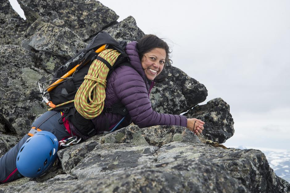 HVILEPULS: På toppen av Skeie (2114 moh.) tar Frøy seg tid til å puste ut et øyeblikk.