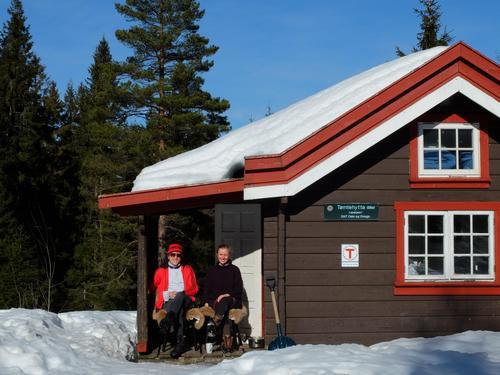 Julegaven til deg selv: Overnatting på DNT-hytte i Marka