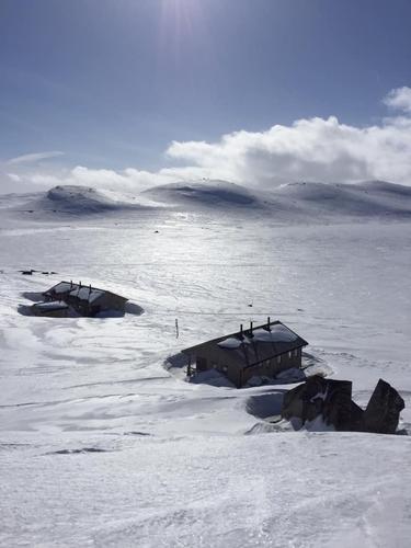 9.4.2021 - Skiføre over 5-600 m.o.h, varierende snøforhold. Snø og vind meldt!