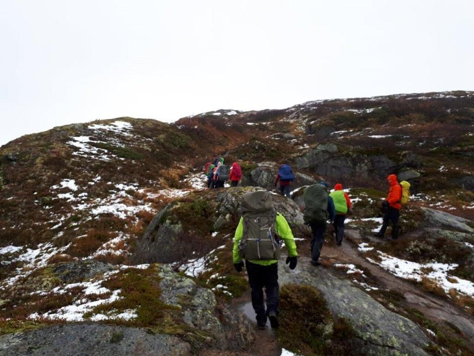 Lørdag 29.9: På vei fra Selhamar til Åsedalen. Krevende forhold.