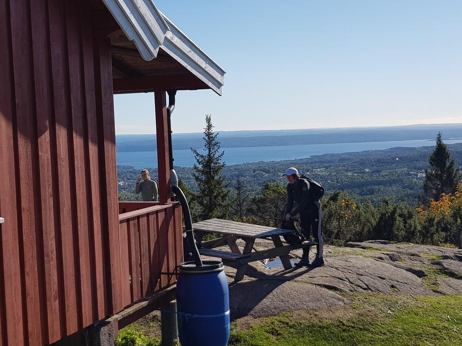 Utsikten fra Hovdehytta er det ingenting å si på!