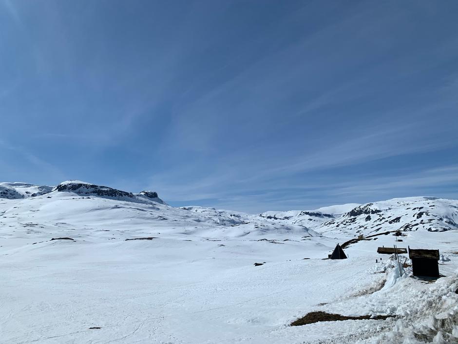 På høyfjellet tviholder vi fremdeles på minusgradene og praktfulle skiforhold.N