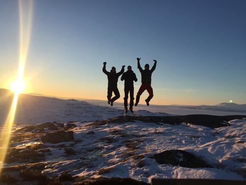 Tre glade gutter på ekspedisjonen Norge på tvers