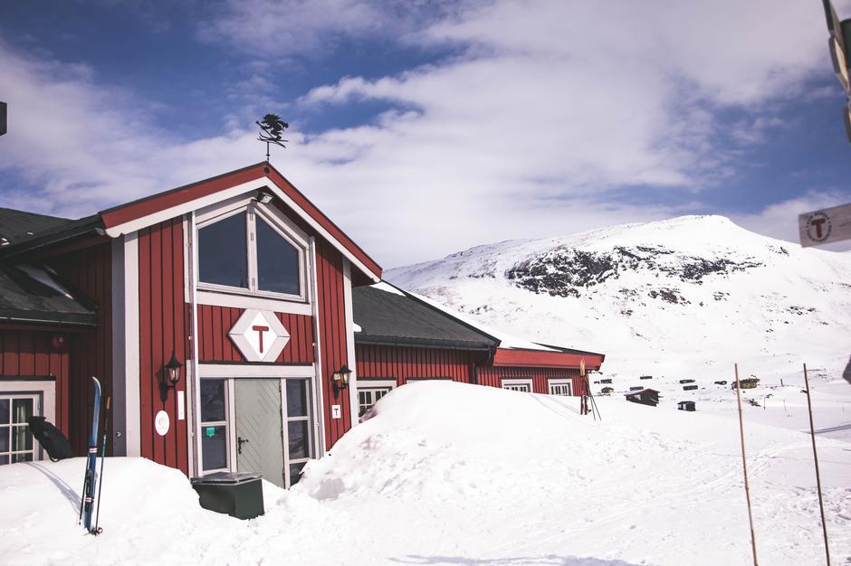Ta med familien og besøk trivelige Fondsbu i Jotunheimen.