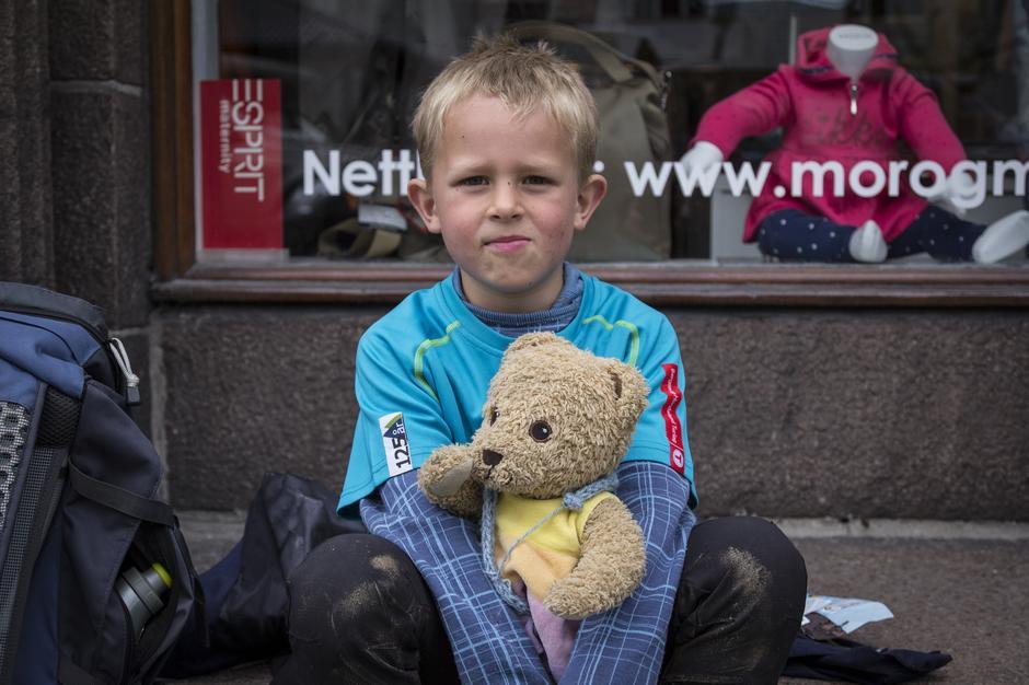 Ulrik (nettopp fylt 7 år) klarte å gå 4-fjellsturen. Gratulerer!