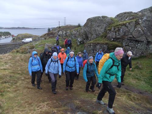 Rundtur på Skogsøyna