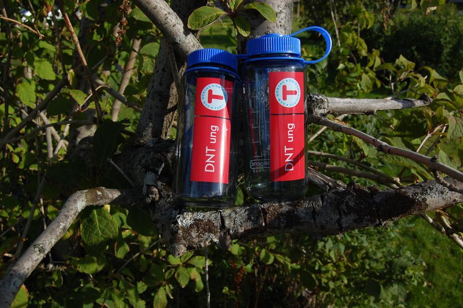 Flotte DNT ung flasker fra Nalgene som også kan brukes som varmeflaske.