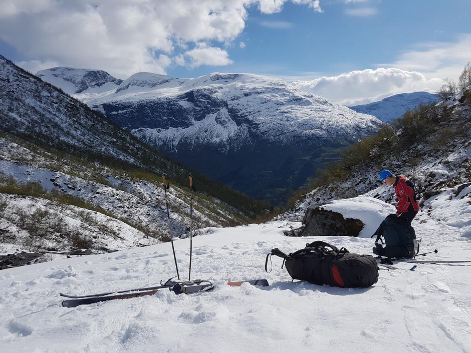 Onsdag 8.5: Fint skiføre opp til Skåla fra ca. 650 moh.