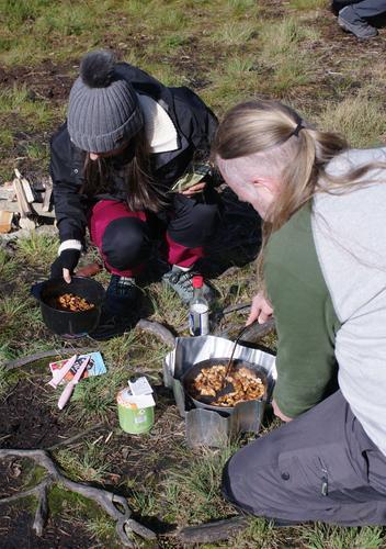 Mat smaker best når man lager den ute!!