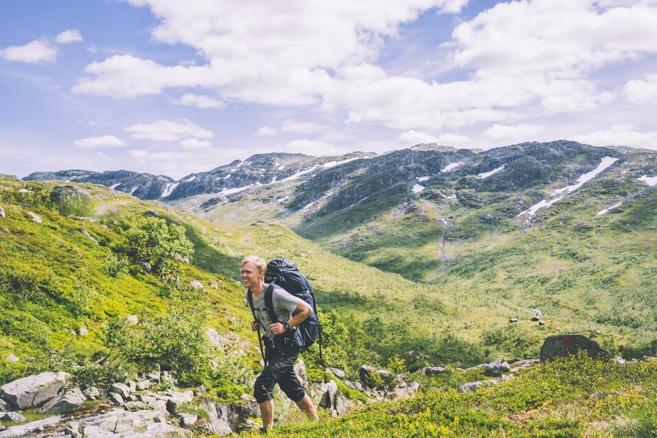 Sørlandsfjella og vakre Austheiene byr på nydelige sommerdager.