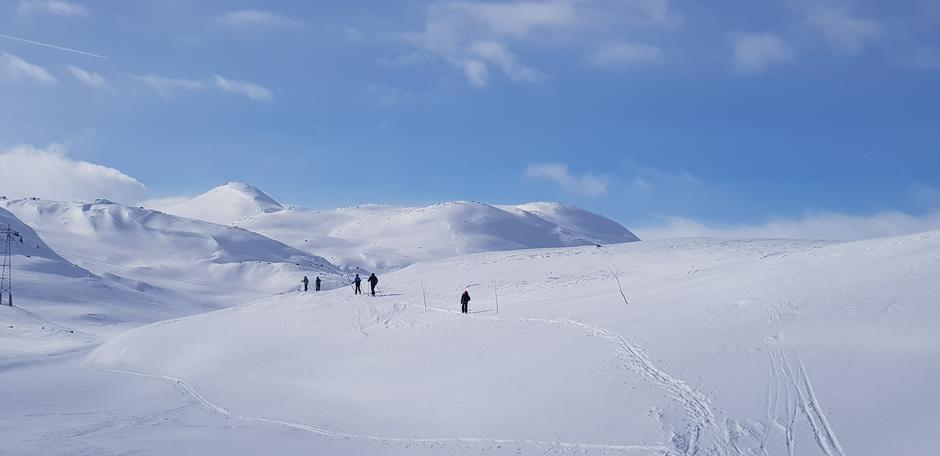 Lørdag 20.3: Mellom Hallingskeid ig Finse. Nok snø og fine skiforhold.