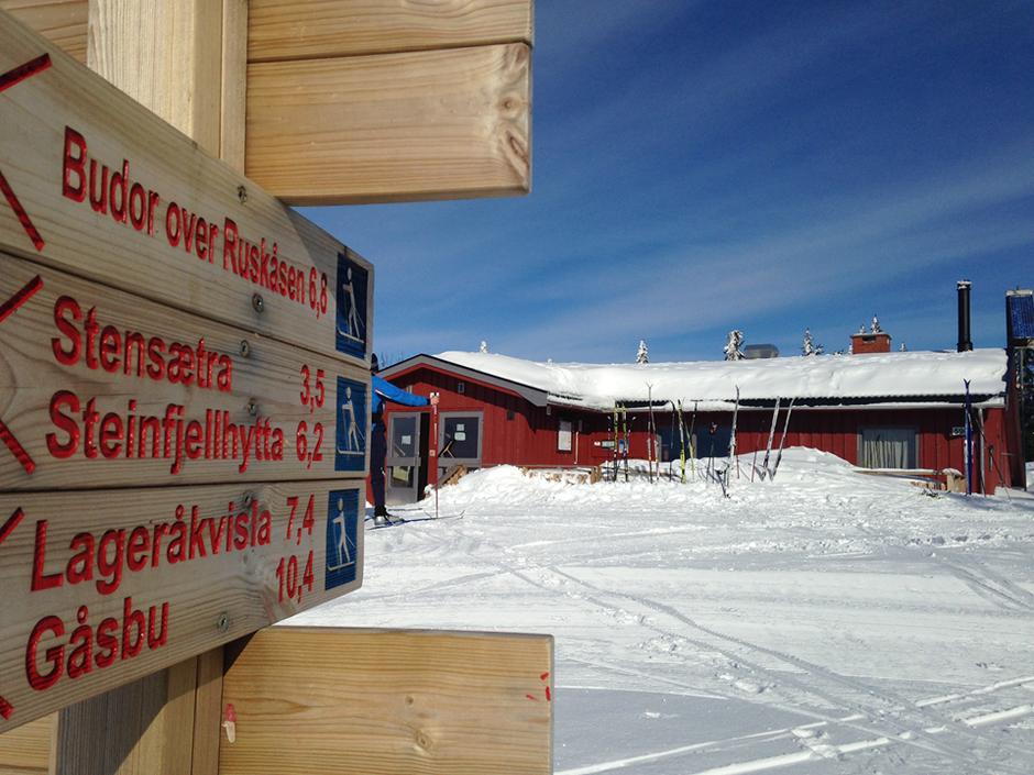 Serveringshyttene er stengt for vinteren - men løypene er åpne.