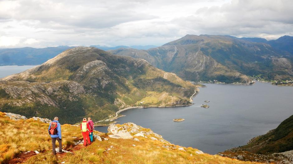 Nedstigninga. Rungsundøya på andre sida.