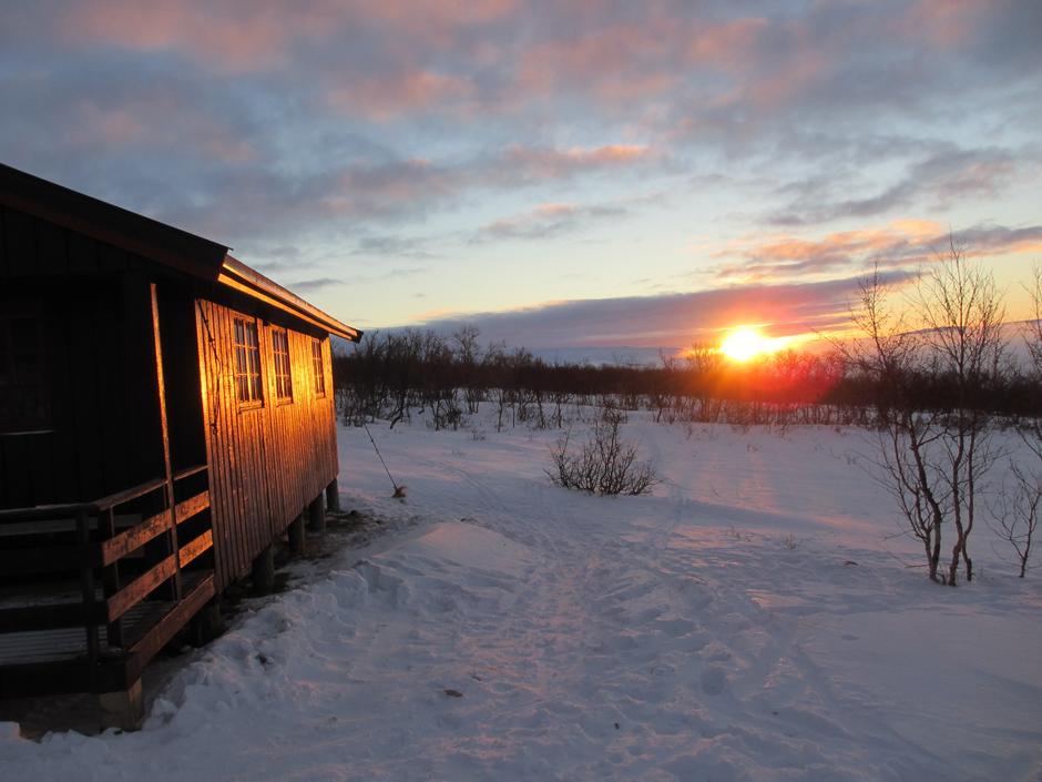 Årets siste solstråler på Dividalshytta.