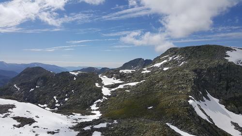 Retning Bjørndalen frå Blåhatten.