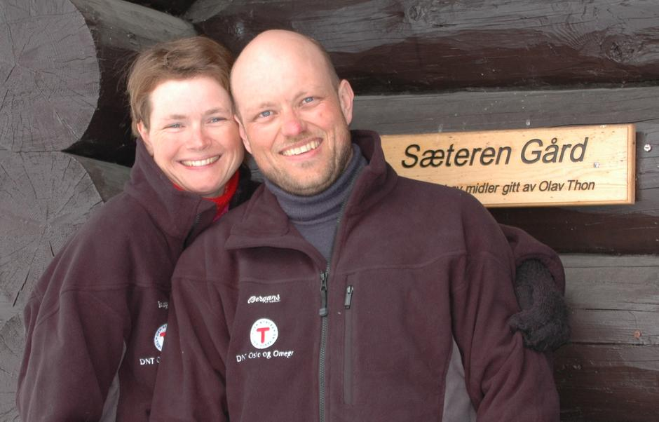Velkommen til Sæteren Gård, ønsker bestyrerne Ane Marte og Jan Kenneth.