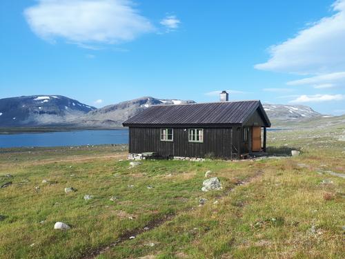 Grindaflethytta 1.085 moh. Fantastisk flott sted, og ei flott DNT hytte.
