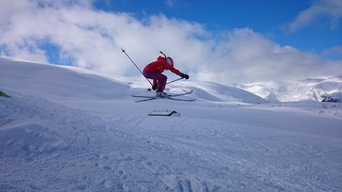 Skia testes i både oppoverbakke og utforbakke