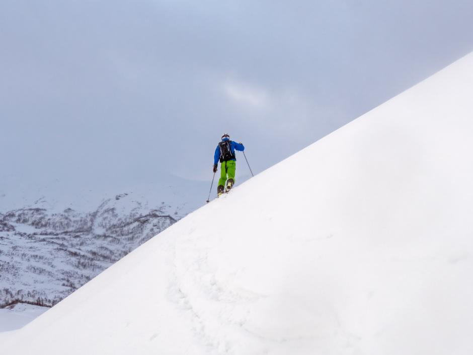 På vei opp til Bjørndalskamben, den høgaste toppen i Myrkdalen.