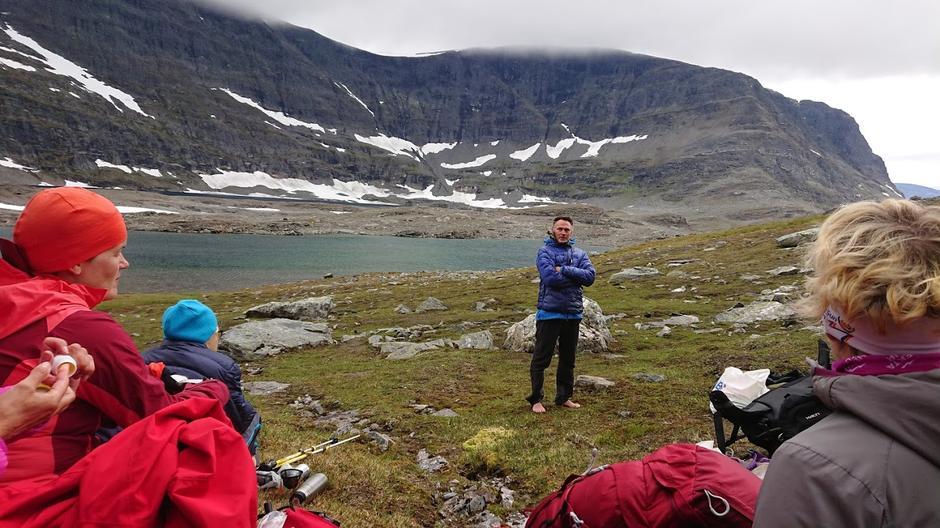 Turleder Arnulf Sørum forteller om fjorårets opplevelser i Isdalen
