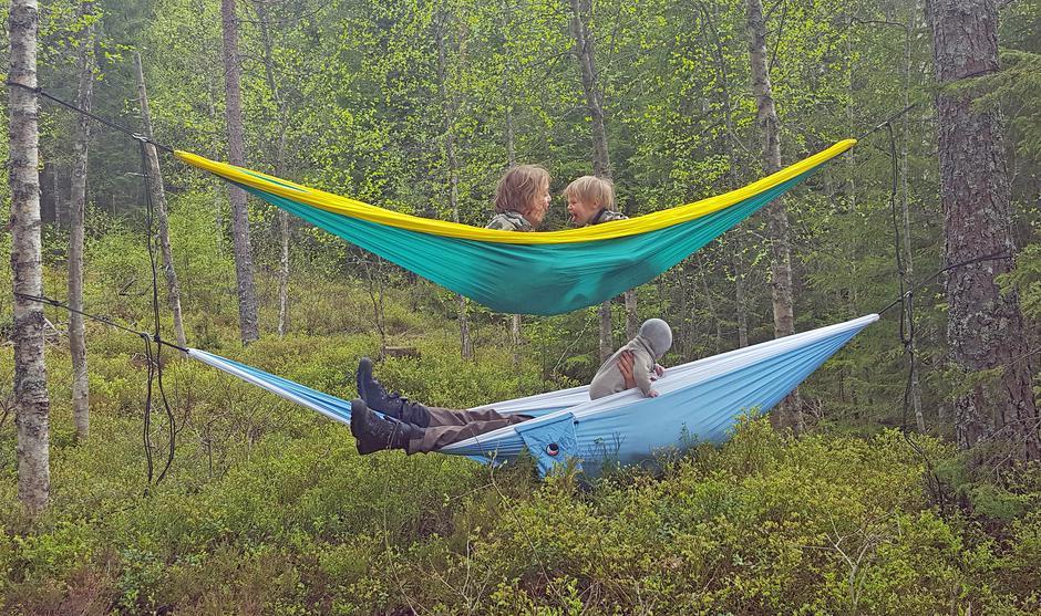 Kosestund på telttur i Stange. Det beste med å være i naturen er at man får så mye tid til å bare være!