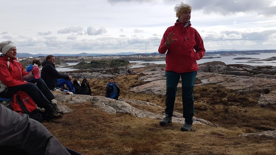 1. turleiar Mette Jacobsen fortel om havsvala
