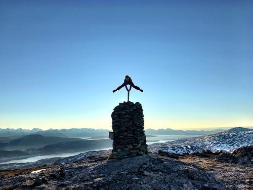 Oliver 10år på toppen av Raudheia i Møre og Romsdal