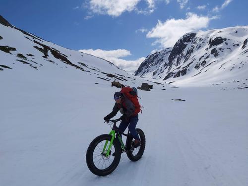 6.5.2021 - Skiføre over 750- 850 m.o.h, varierende snøforhold. lav skredfare.