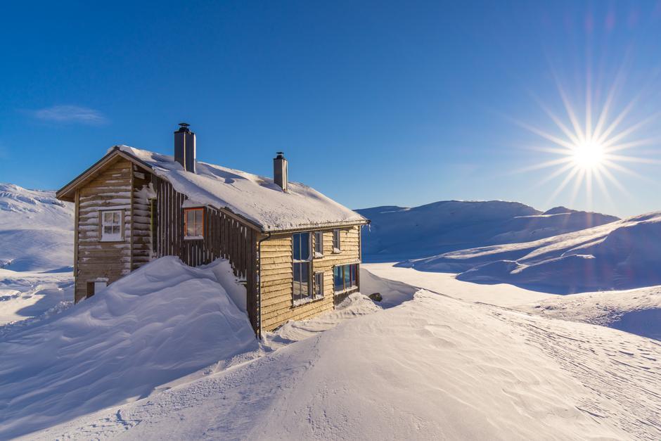 Gullhorgabu tourist cabin in Bergsdalen.