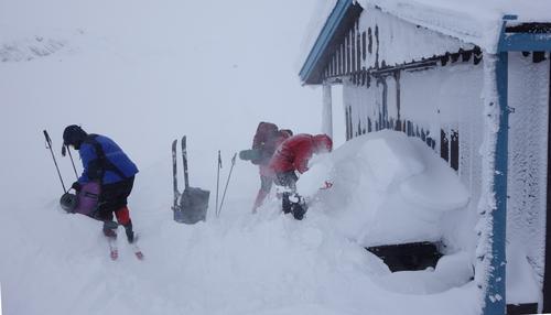 Vi graver fram døra på Slettingsbu