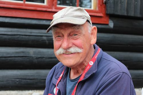 Knut Ivar, kunnskapsrik hyttetilsyn som også har eget snekkerverksted.