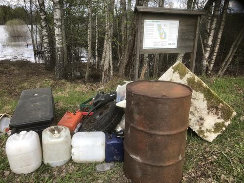 Søppel fra naturreservatet