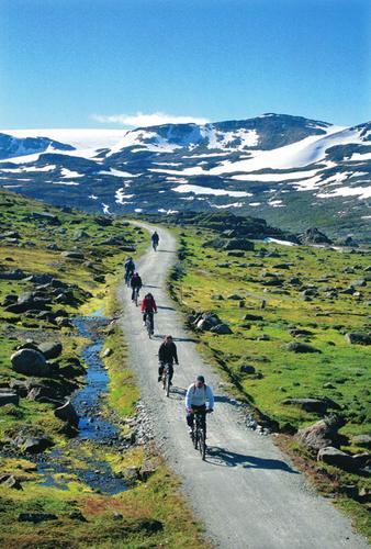 Foto: Helge Sunde. Sykkeltur på Rallarveien, ved Hallingskeid.