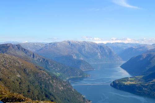 Utsikt frå Oksen innover Hardangerfjorden.