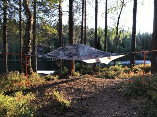 Lett å bo i trærne - Tretelt