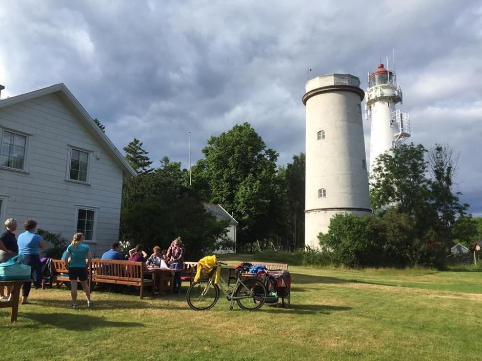 Tårnhagen med utstilling fra Geoparken