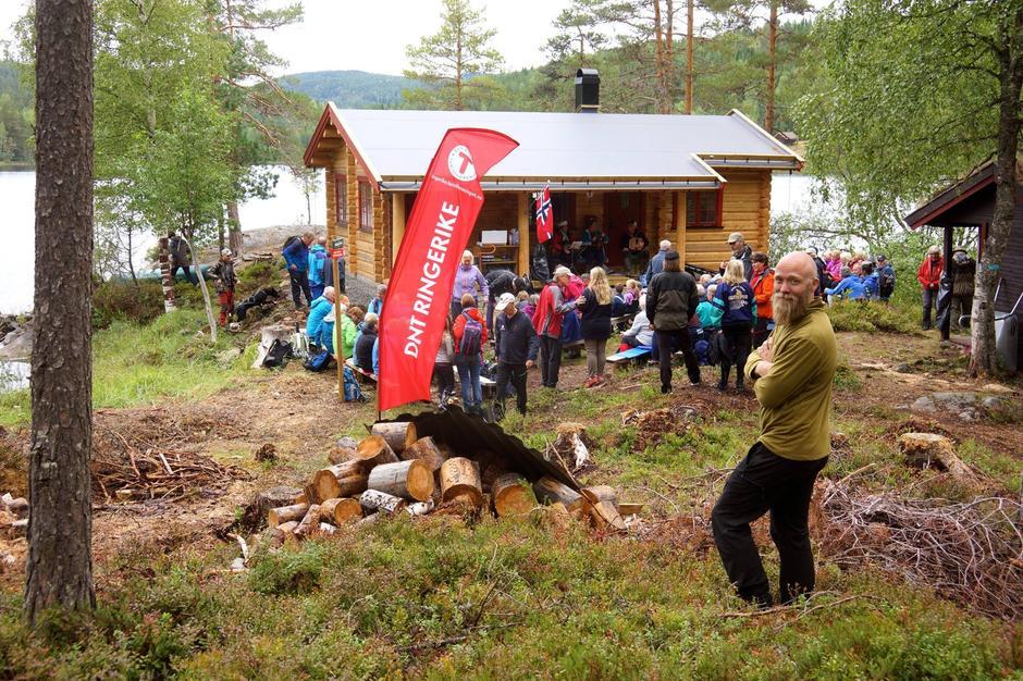 Styreleder Tom-Erik Bakkely Aasheim er fornøyd med åpning og antall oppmøtte turdeltagere.