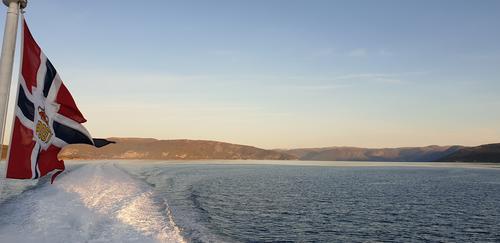 Ut Sognefjorden med Norled sin hurtigbåt.