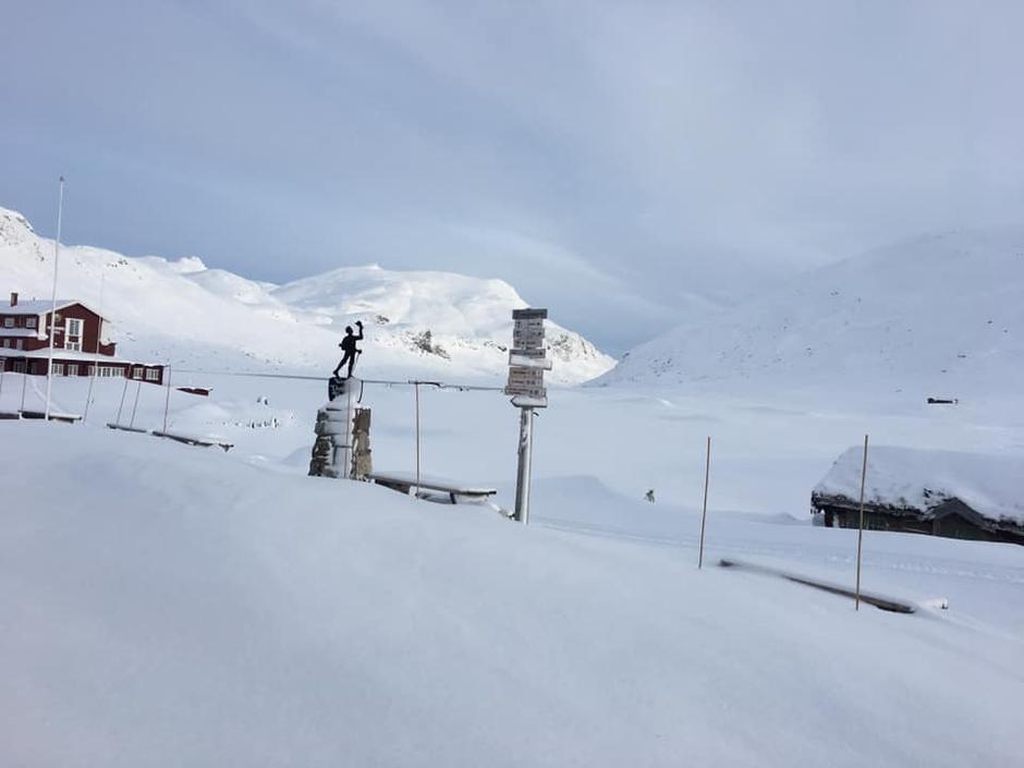 31.01.20: Isen på Tyin er blitt bra, mens Bygdin fryser til nå. I dag er det vindstille og -6 grader