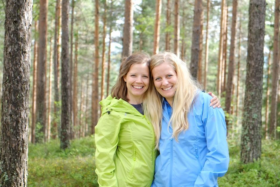 KJENTE: Hege og Stine Schultz Heireng driver bloggen Tursøstre.no. Med sitt smittende humør og engasjement for nærmarksliv har de fått mange følgere.