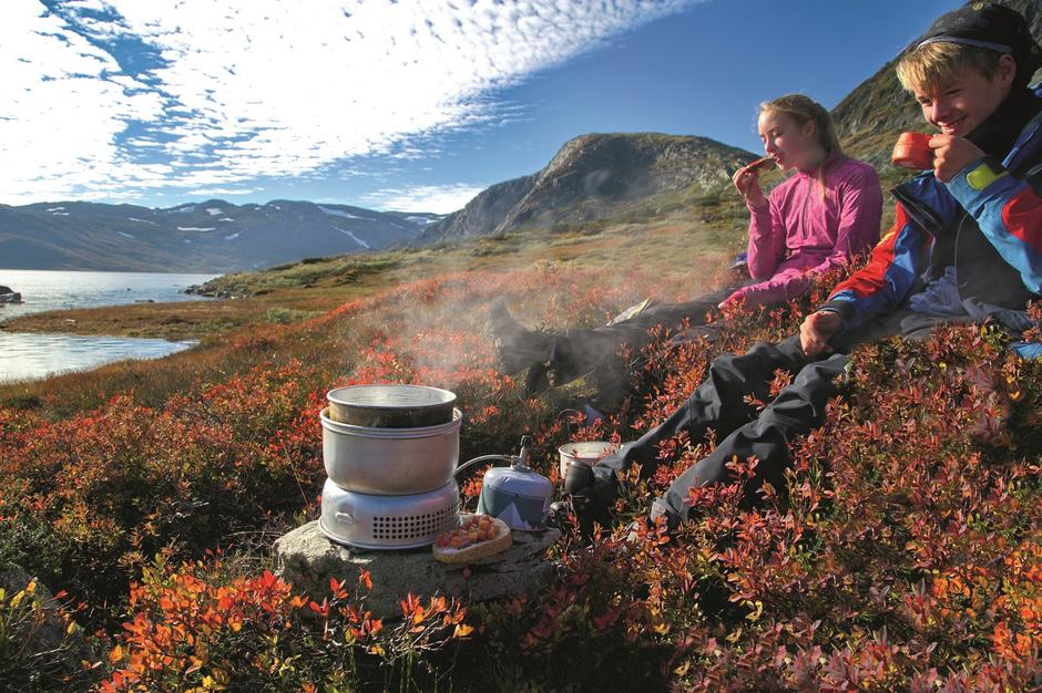 Høsten er en magisk tid for fjelltur. Her er ti tips til flotte høsthytter du kan besøke før snøen kommer.