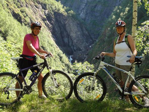 Sykkelturen ned Fortundalen er en spektakulær opplevelse!