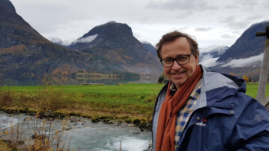 Styreleiar i Aust Agder Svein Hjort-Olsen delte sine erfaringar med at Kystled gir utvikling.