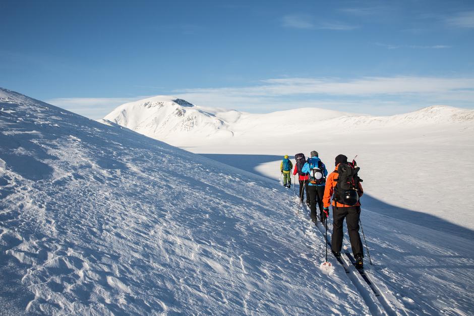 Jotunheimen byr på mange muligheter, Her fra vintertur over Besseggen.
