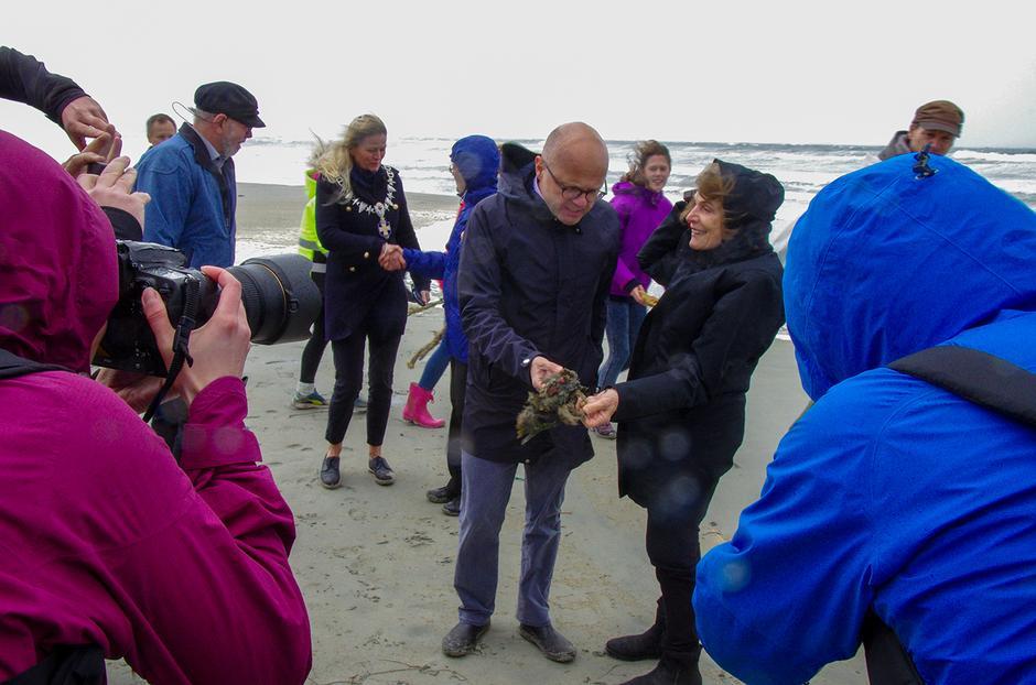 I forbindelse med at den da 83 år gamle amerikanske marinbiologen Sylvia A. Earle fikk tildelt Rachel Carson prisen i 2017, ble det arrangert strandrydding og et miniseminar på Orre.  Jærhavet valgte å vise sin styrke. I stormflo, regn og bølger med pressen på slep, stod Sylvia Earle, miljøvernminister Vidar Helgesen, ordførere, haventusiaster, forskere og miljøvernforkjempere, skoleelever og plastplukkere på stranden i skjønn forening.
