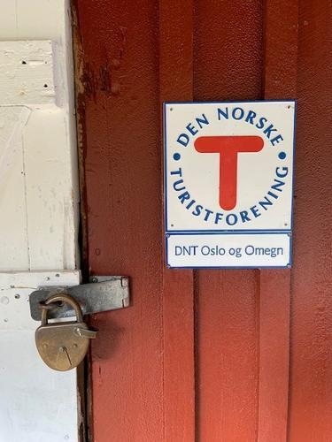 Hytta tilhører DNT Oslo & Omegn